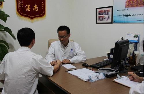 和患者在一起,金主任总会让患者放心